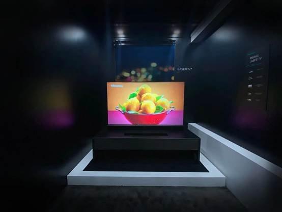 图片包含 室内, 墙壁, 餐桌, 屏幕  描述已自动生成