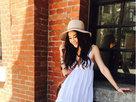 温碧霞台北街头开心拍照 夏日装扮少女感十足-娱乐组图