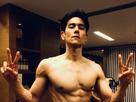 彭于晏半裸大秀肌肉 八块腹肌人鱼线完美吸睛-娱乐组图