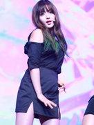 AOA演唱会热血开唱 万人粉丝狂欢-韩国女明星