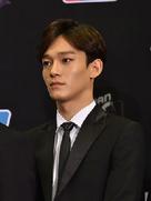 EXO现身发布会 清爽帅气心动值满分-韩国男明星