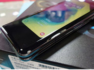 首批韩版三星Galaxy Fold在港炒到三万!