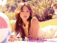 女孩Jessica Alba 凭什么身材那么好