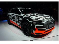 特斯拉的对手还不止捷豹和保时捷?这两款纯电动车仅凭品牌就能秒杀它