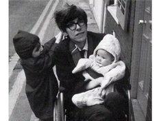 霍金去世后 专家称其被误诊实则小儿麻痹症?