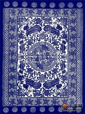 就如蓝印花布并不清晰的图案,并不湛蓝,却很美.