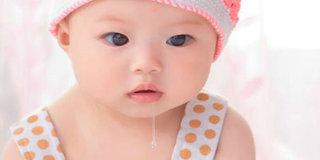 是谁害的宝宝一个劲儿流口水变成口水娃的?