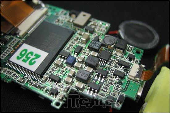 电路特写:我们可以看到ssf-9000的电路板上