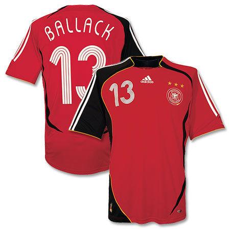 06年德国世界杯32强新款球衣设计欣赏