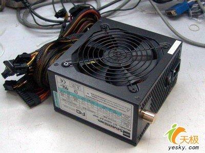 电源采用了主动式的pfc设计,拥有更高的电源轮换效率.