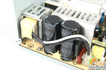 emi滤波电路主要作用是滤除外界电网的高频脉冲对电源的干扰,同时