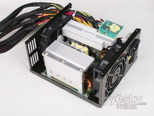 长城巨龙双动力800SP电源内部整体-品质之选 长城BTX 800SP服务器