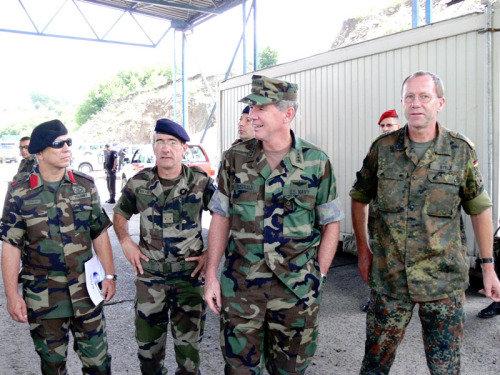 动荡下的平和 北约驻科索沃维和部队实录