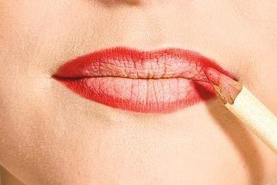 画嘴巴的步骤图口红