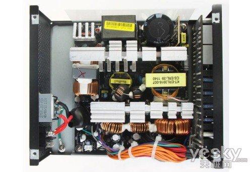 长城 铜牌巨龙750sd(a)电源电源采用高档的黑色pcb作为电源各功能电路