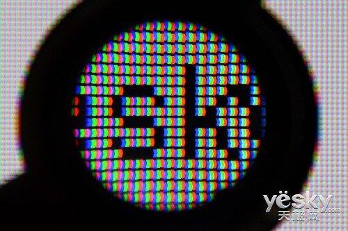 """白底黑字""""yesky""""-流华彩 锐睛贵 飞利浦55PFL8520电视评测"""