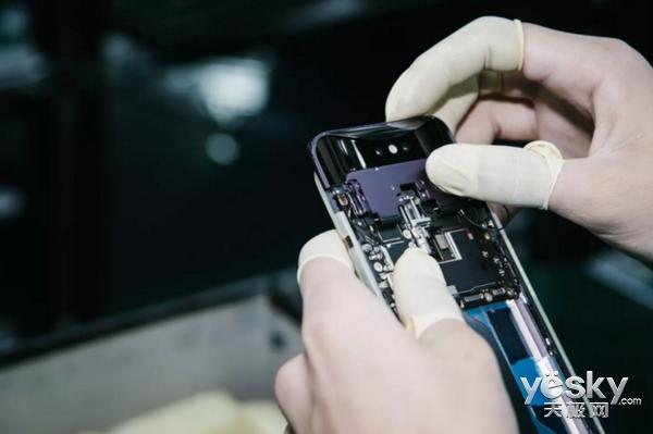 OPPO Find X信号测试 时隔四年新旗舰做到了内外兼修