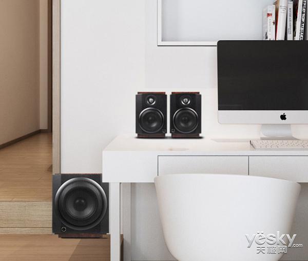 桌面上的私人影院 惠威M-80W无线有源2.1音响系统