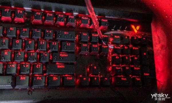 生而不凡 雷柏V750防水背光机械键盘热销299元