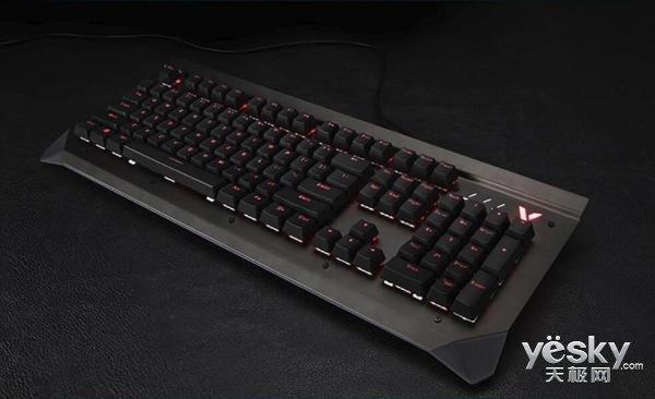 炫酷背光灯效助力电竞登顶 雷柏V750防水机械键盘