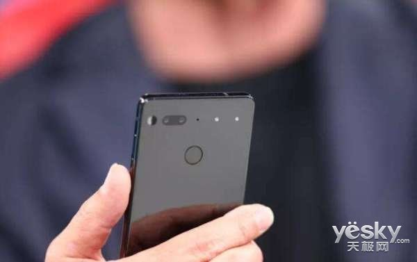 安卓之父正开发AI智能手机:大大减少手机依赖