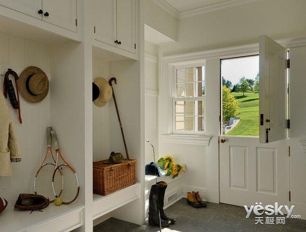在玄关的设计上  你觉得美观和实用哪一个更重要呢?