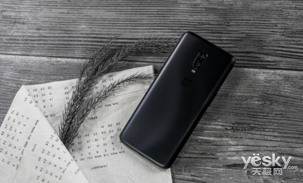双11狂欢在即 还在纠结买什么手机?