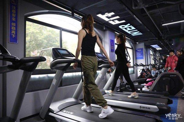 苏宁首家智能健身室落地南京 先健身后购物的生活方式也不错