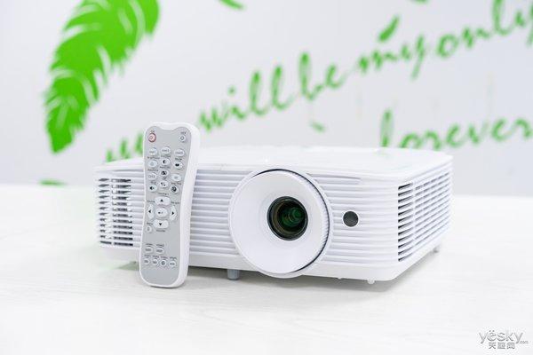 能看4K的高清投影机 奥图码HD27H家用投影机评测
