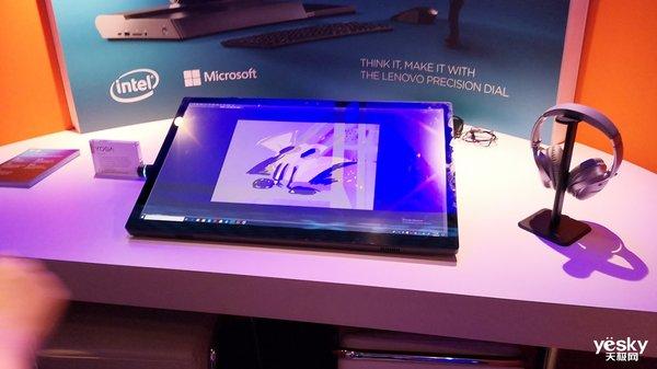 CES2019联想发布YOGA S940智能笔记本 全球首款3D玻璃屏