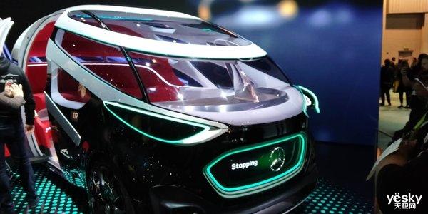 奔驰无人驾驶电动概念车现CES 能坐满一只球队