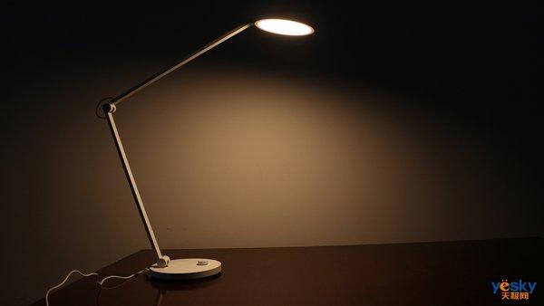 立体光照无可视频闪 米家台灯Pro体验评测