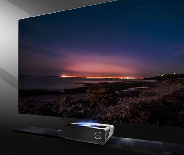 新年换机正当时,客厅大屏观影首选海信激光电视