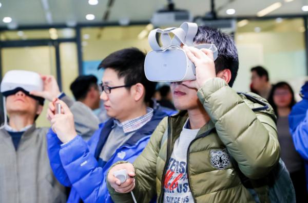 "5G来了,VR的""新世界""还会远吗?"
