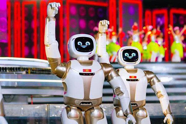 AI时代已来?央视春晚不止5G和4K还有机器人热舞