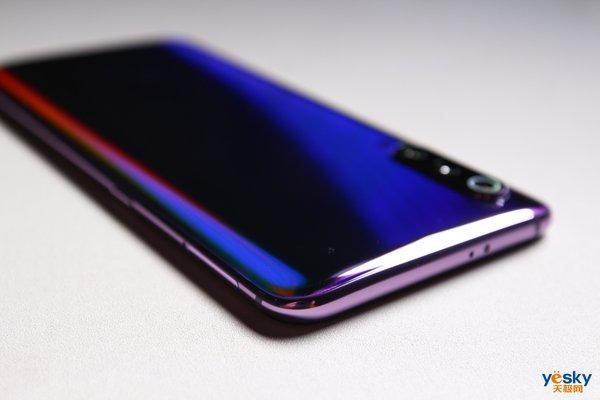 小米9上手体验:3000元以内最能打的手机,就是它了