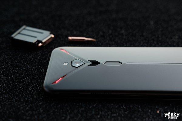绝地钢枪王 红魔3电竞手机图赏