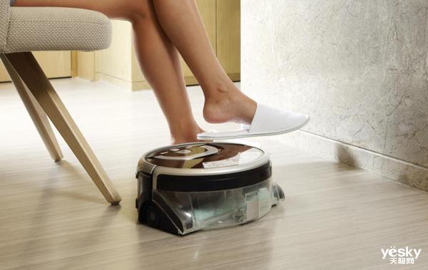 ILIFE智意W400创新洗地黑科技 清洁效果完胜擦地机
