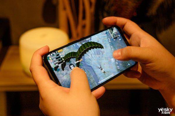 屏幕90Hz跑分44万 红魔3带来教科书式的游戏解决方案