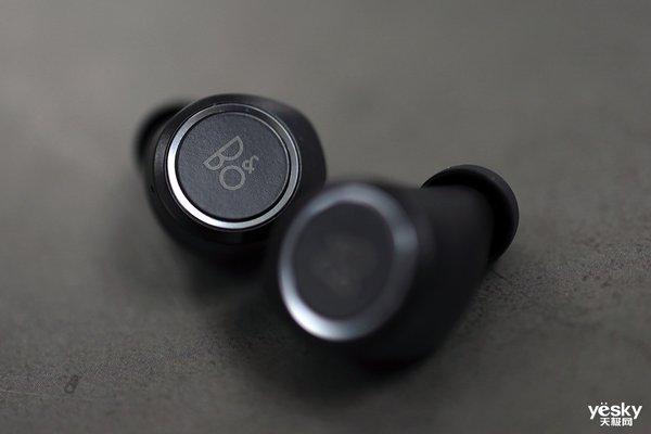 剪掉充电线 Bang & Olufsen Beoplay E8无线充电款真无线耳机测评