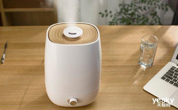 夏季空调常开室内干燥 空调房里放加湿器管用吗?