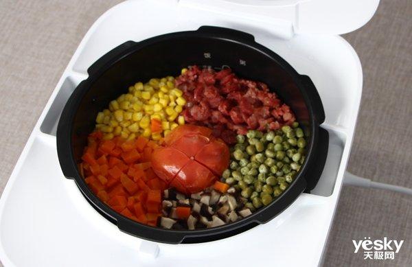 极客美食(视频):电压力锅一键搞定网红饭