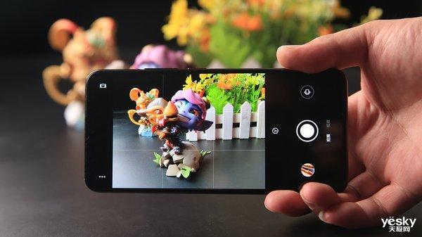"""手机美食拍摄小技巧:""""吃前消毒""""也要采用正确姿势"""