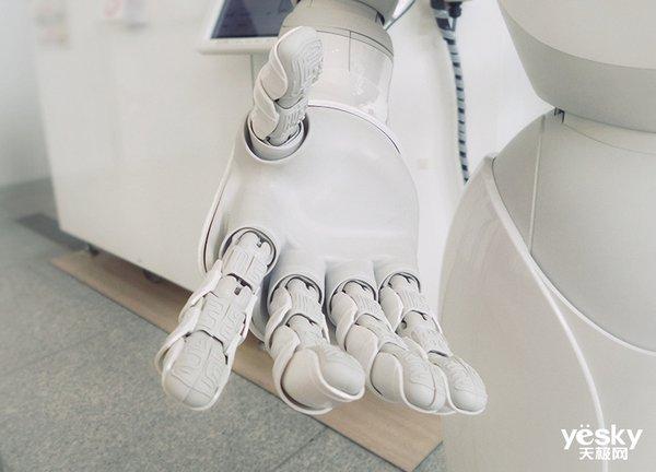 MIT新研究:机器人可以通过视觉和触觉感知物体