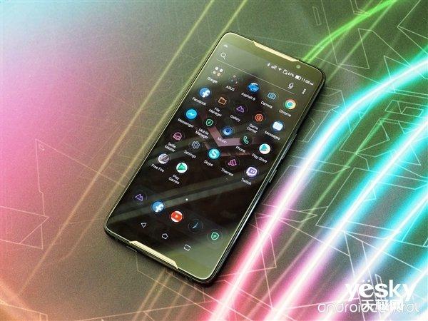 华硕ROG Phone与腾讯合作 预计在今年CJ上线