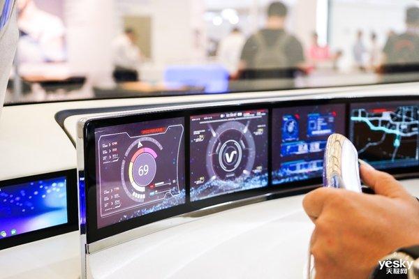 柔性AMOLED助力未来驾驶,维信诺车载显示惊艳DISPLAY CHINA2019