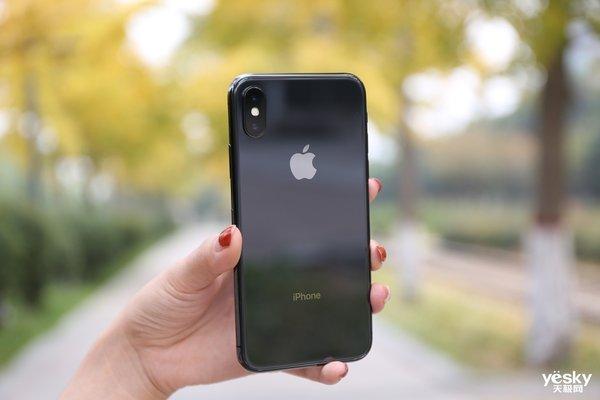 """华尔街分析师将苹果股票下调至""""卖出"""":全新iPhone恐销量低迷"""