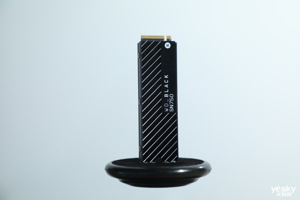即刻开「黑」丨西部数据旗下游戏专属品牌WD_BLACK现身CHINAJOY