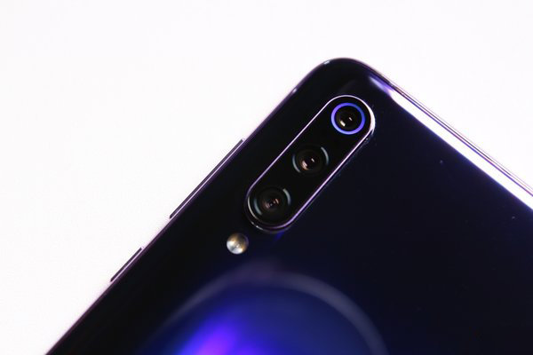 用手机刷公交时忘开NFC很尴尬?小米9让你一个动作轻松唤醒它!
