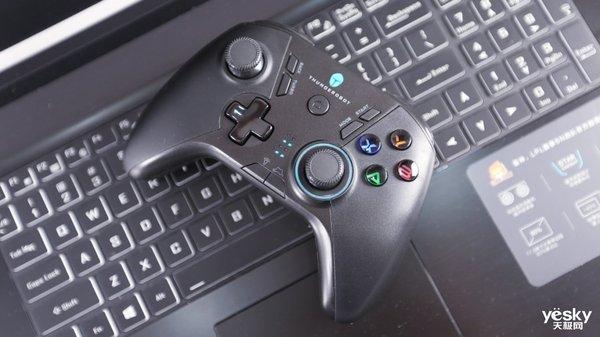 《游戏・机》:雷神战斧游戏手柄TC-G50体验